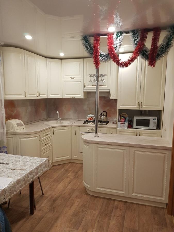 Белый кухонный гарнитур-Кухня МДФ в ПВХ «Модель 70»-фото1