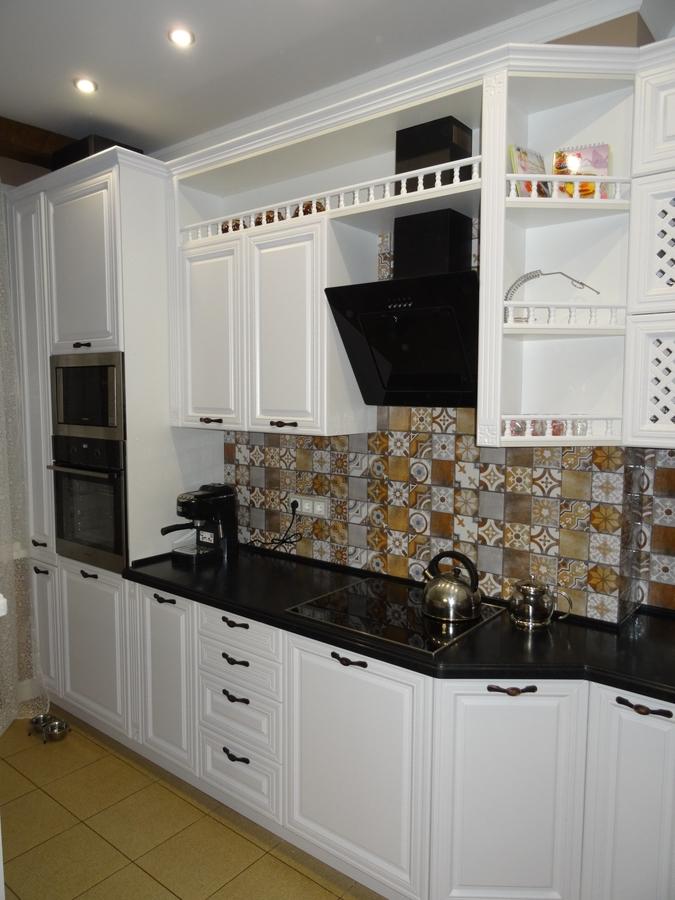 Белый кухонный гарнитур-Кухня МДФ в эмали «Модель 20»-фото4