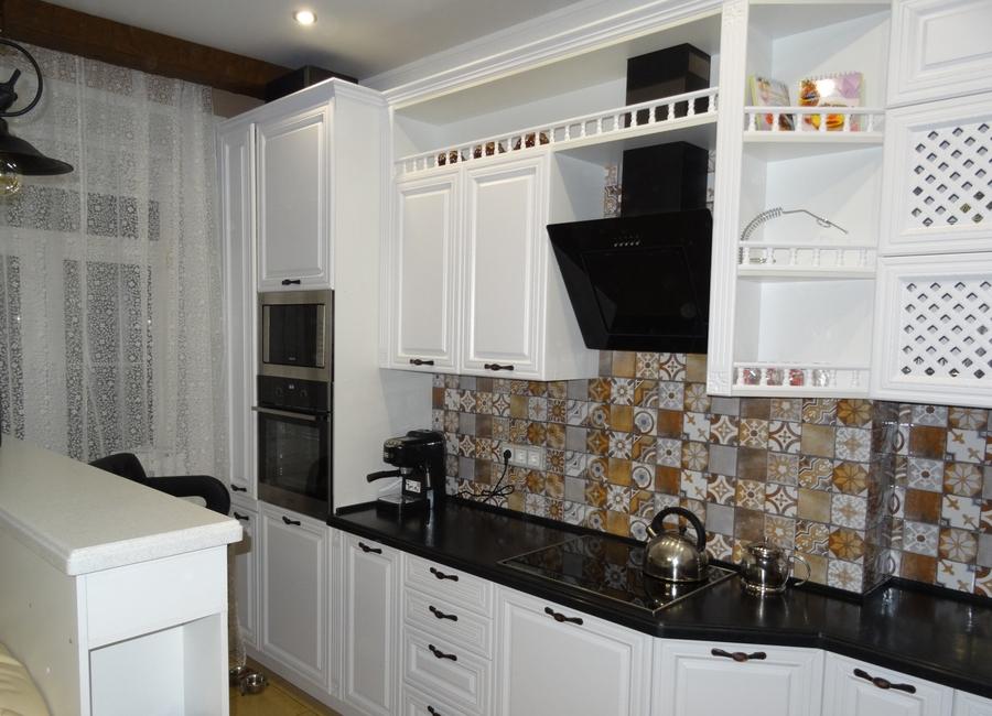 Белый кухонный гарнитур-Кухня МДФ в эмали «Модель 20»-фото3