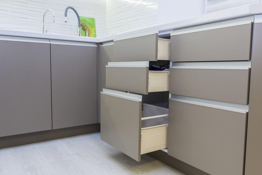 Белый кухонный гарнитур-Кухня МДФ в ПВХ «Модель 9»-фото12