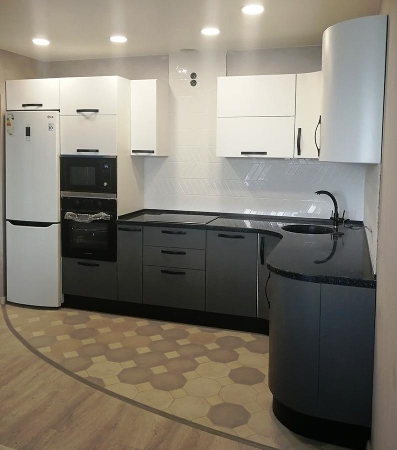 Белый кухонный гарнитур-Кухня МДФ в ПВХ «Модель 29»-фото1