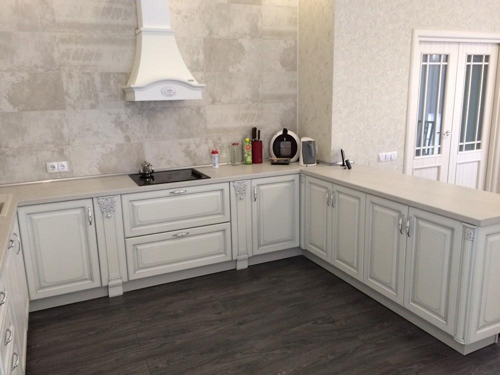 Белый кухонный гарнитур-Кухня из массива «Модель 109»-фото4