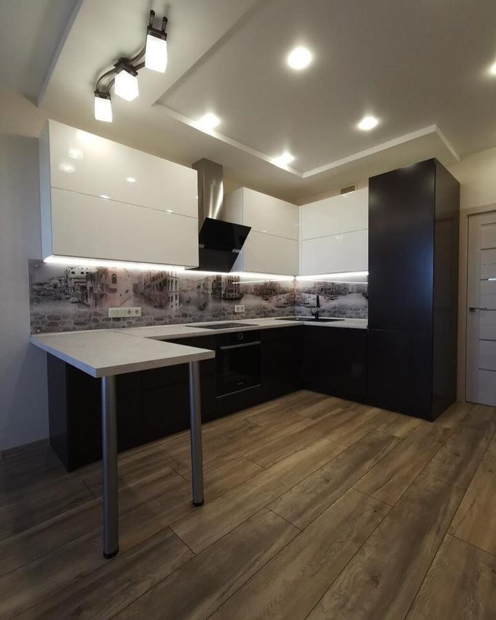 Белый кухонный гарнитур-Кухня МДФ в пленке ПВХ «Модель 93»-фото1