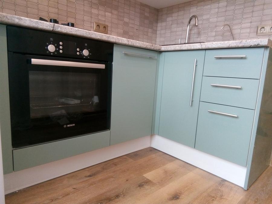 Белый кухонный гарнитур-Кухня МДФ в ПВХ «Модель 125»-фото3