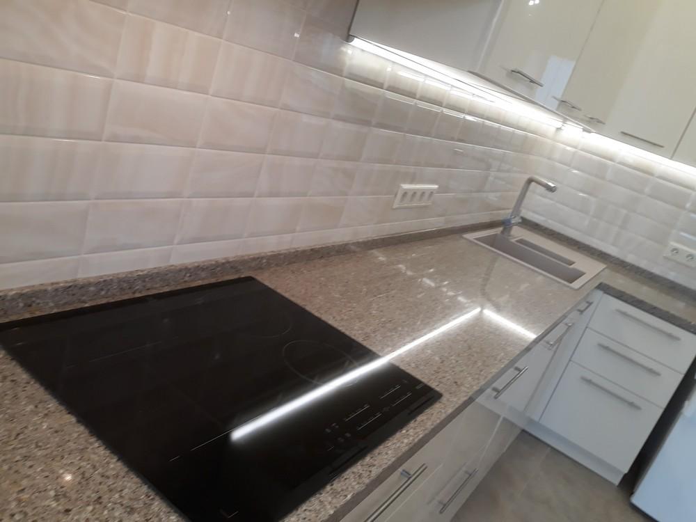 Белый кухонный гарнитур-Кухня МДФ в ПВХ «Модель 279»-фото5