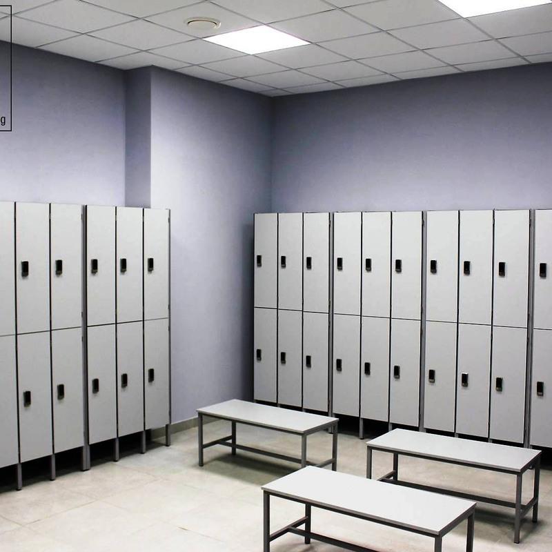 Торговая мебель-Шкафчики для раздевалки «Модель 158»-фото1