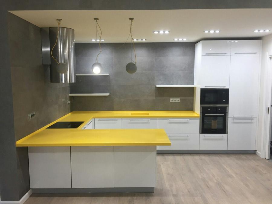 Белый кухонный гарнитур-Кухня из пластика «Модель 440»-фото2