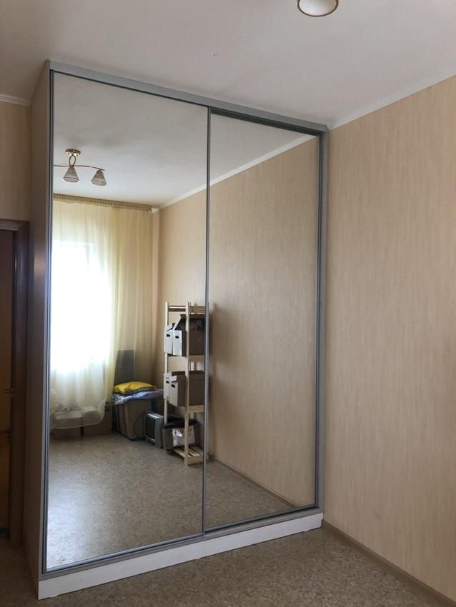 Бельевой шкаф-купе-Шкаф-купе с зеркалом «Модель 476»-фото1