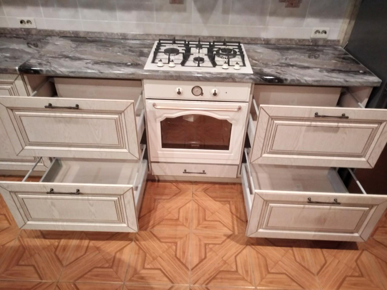 Белый кухонный гарнитур-Кухня МДФ в ПВХ «Модель 547»-фото6