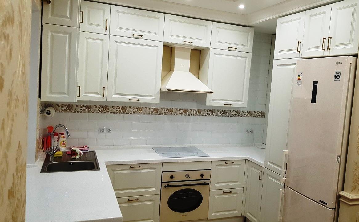 Белый кухонный гарнитур-Кухня МДФ в ПВХ «Модель 531»-фото3