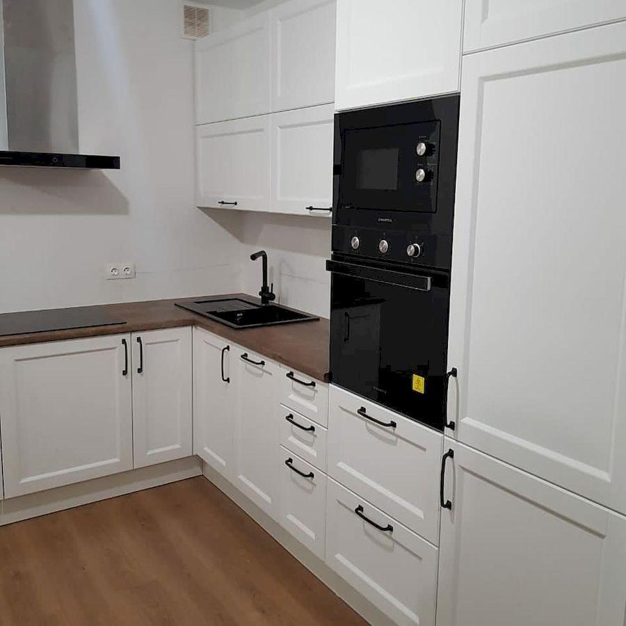 Белый кухонный гарнитур-Кухня МДФ в эмали «Модель 674»-фото2