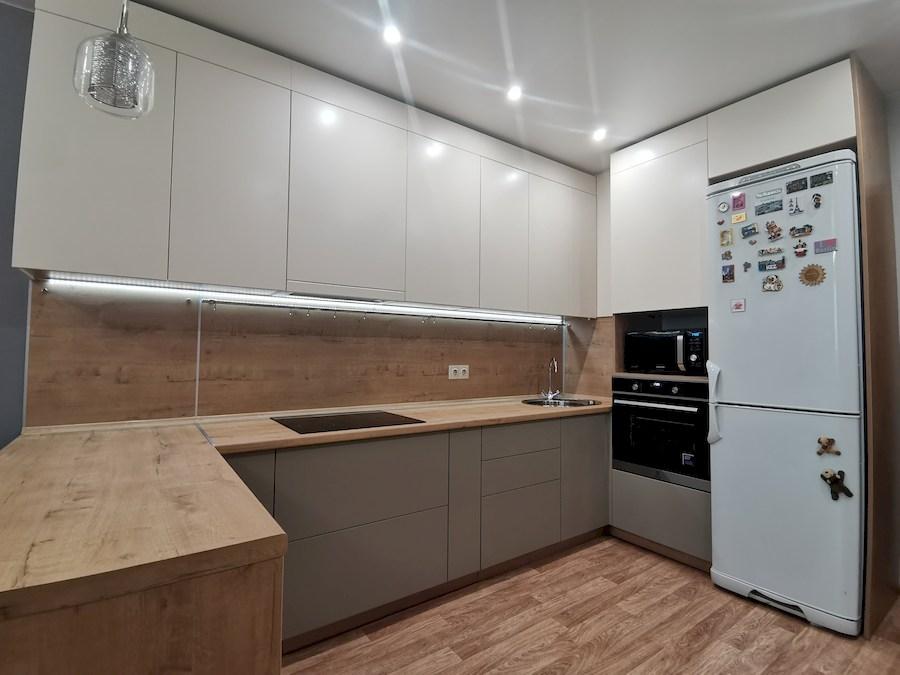Белый кухонный гарнитур-Кухня МДФ в ПВХ «Модель 578»-фото2