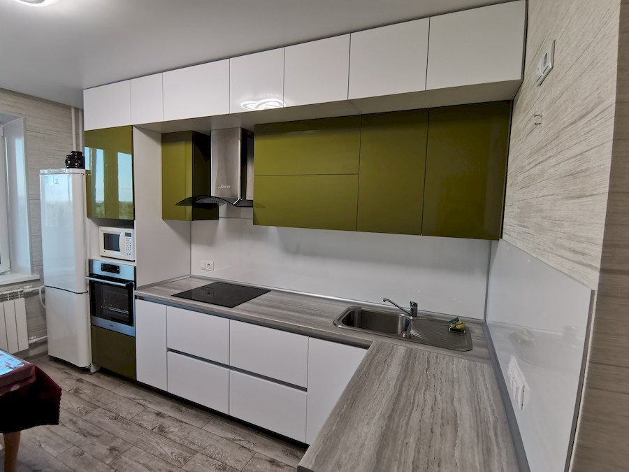 Белый кухонный гарнитур-Кухня из пластика «Модель 572»-фото2