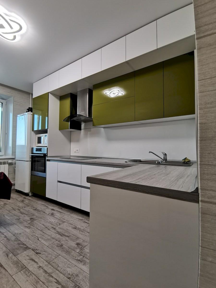Белый кухонный гарнитур-Кухня из пластика «Модель 572»-фото1