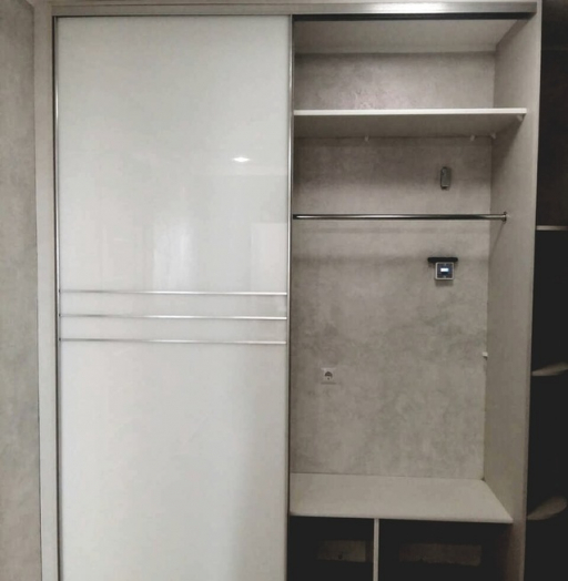Белые шкафы-купе-Шкаф-купе из стекла Лакобель «Модель 374»-фото3